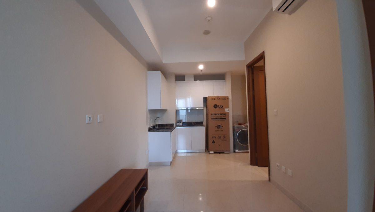 taman-anggrek-residen-tower-azalea-livingroom[1]